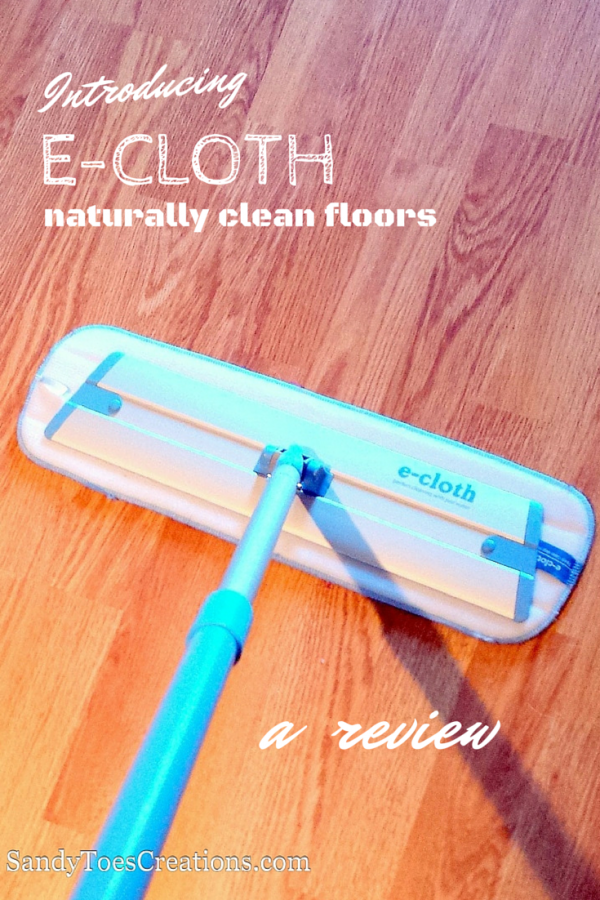 The e-cloth mop cleans floors naturally with just water! #naturalcleaning #greenliving #natural #greenhome