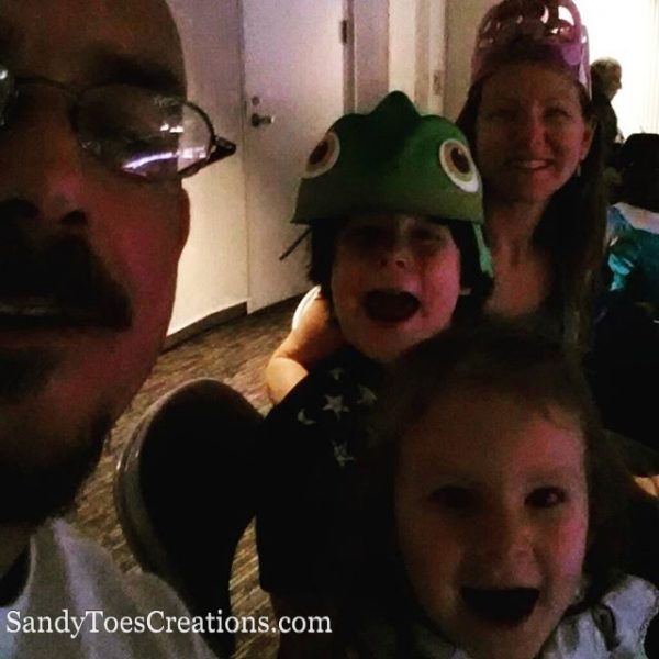 A Disney Family Night Out. Disney on Ice is the perfect family destication for fun for the whole family #Disneyonice #DaretoDream @DisneyonIce