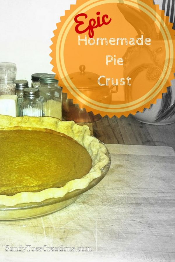 Best pie crust you'll ever taste! Delicious flaky pie crust recipe for all your holiday pies. Thanksgiving pumpkin pie, Christmas apple pie or berry pie, the perfect crust