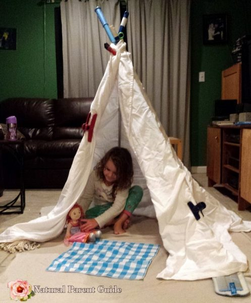 Teepee forts are a blast for kids! Plus 28 rainy day kids activities. We all could use some indoor play ideas to keep kids occupied. Enjoy!